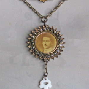 That Steampunk Rogue Photo Pin Necklace